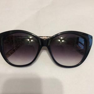 Cat eye black fade cheetah print Sunglasses!